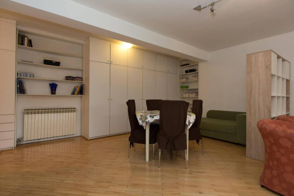 Apartment Avde Hume 4