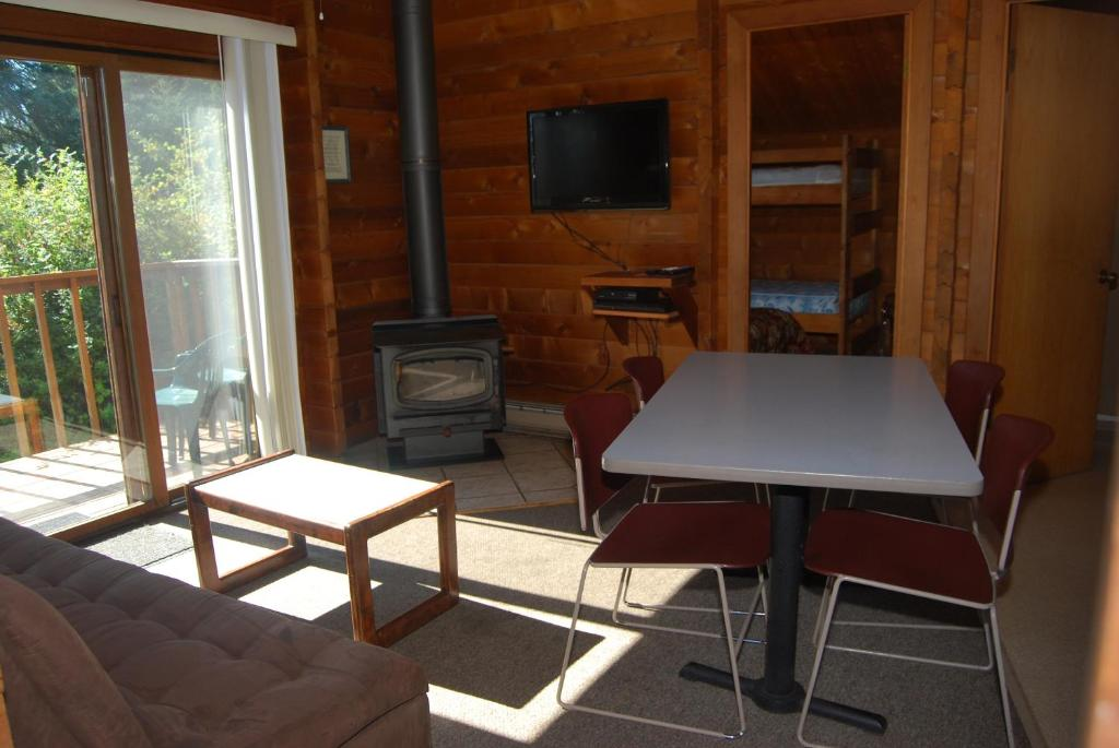 See all 6 photos La Conner Camping Resort Cabin 7