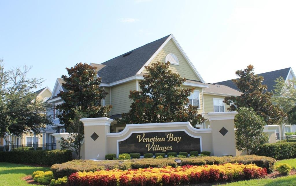 Book Now Venetian Bay Villages Resort (Kissimmee, United States). Rooms Available for all budgets. The Venetian Bay Villages Resort is 20 minutes' drive from Walt Disney World and 15 miles from Universal Studios. Guests will have access to an outdoor pool and a fitness cent