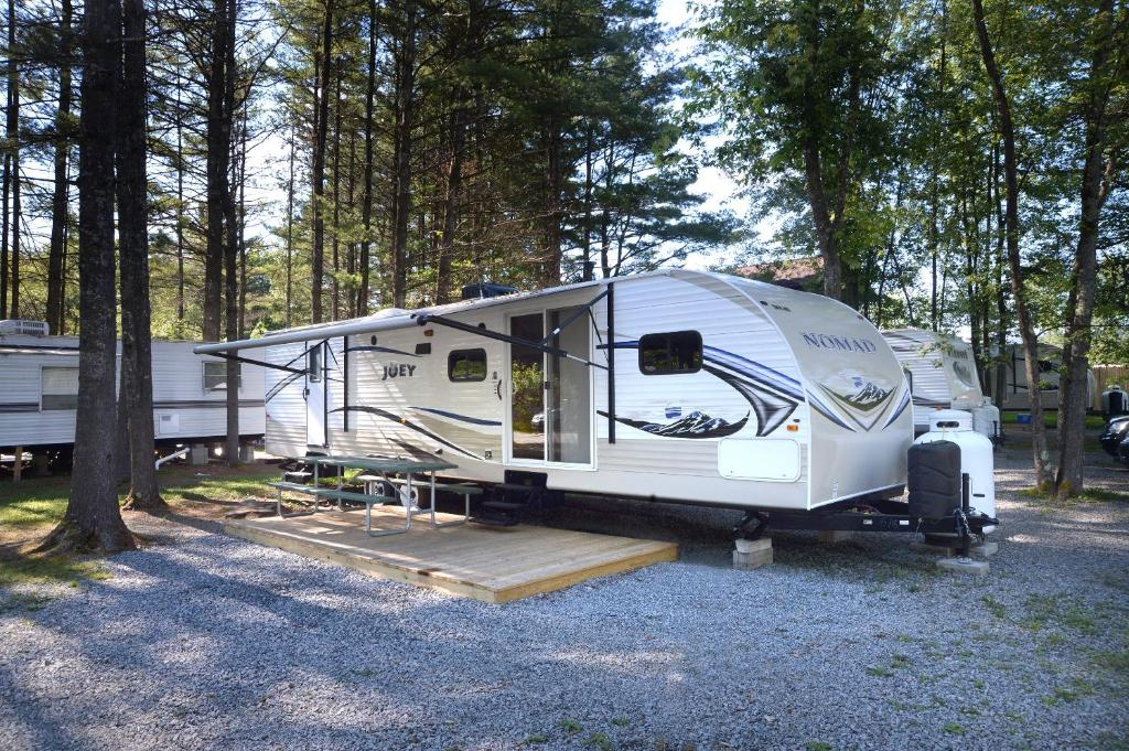 Two-Bedroom Trailer Lake George Escape 40 ft. Premium Travel Trailer 40