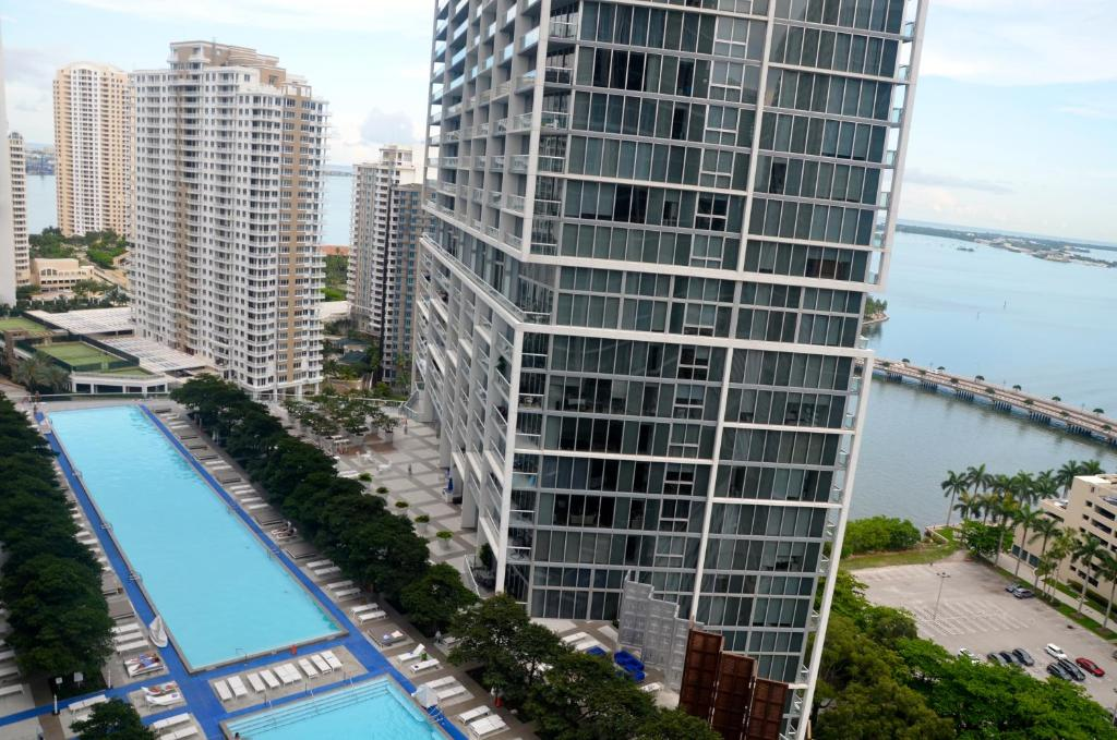 Swimming pool Apartments by RIVIERA RESIDENCES