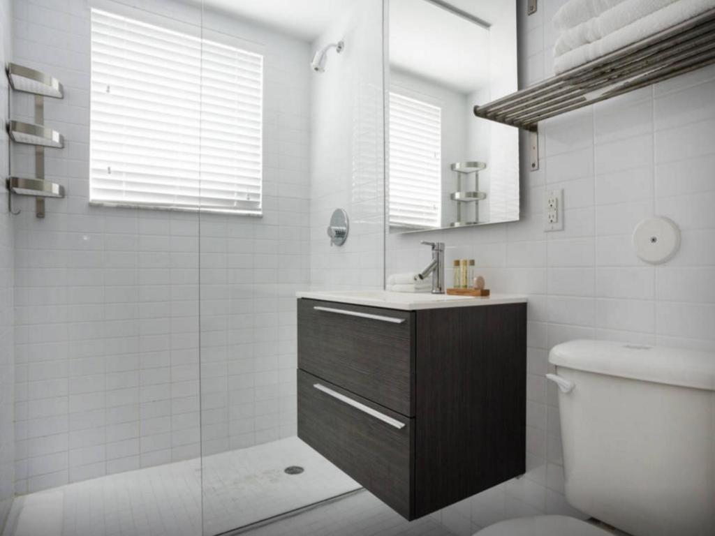 Bagno The Lincoln Elegant Apartment
