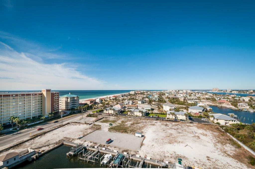 Beach Harbor Landing 903B