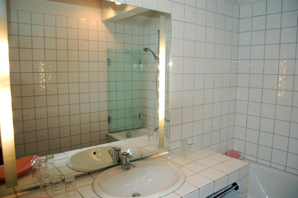 Large One-Bedroom Apartment - Shower Restaurant Appartement Il Giardino