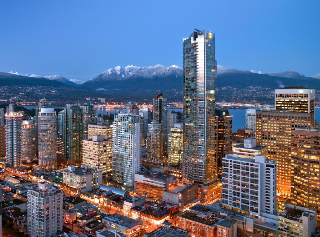 Book Now Shangri-La Hotel Vancouver (Vancouver, Canada). Rooms Available for all budgets. Featuring a full service spa this 5-star hotel is only 5 minutes' walk from Vancouver Art Gallery and Pacific Centre Mall. A fine dining restaurant is available on site. Guest
