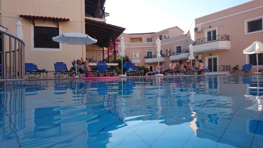 Swimming pool Doras Zante Studios & Apartments