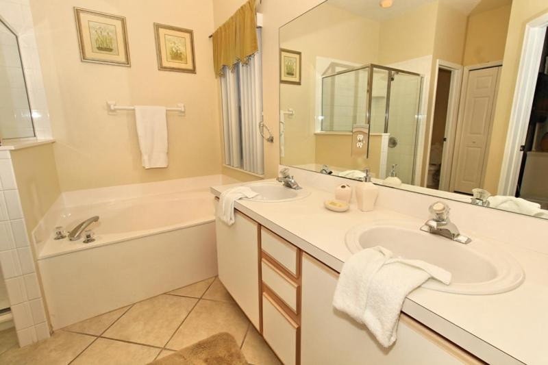 Bagno Hampton Lakes-Pixie Palace Holiday Home