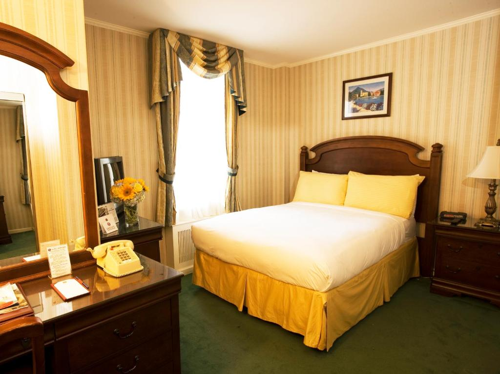 Book Now Hotel Stanford (New York City, United States). Rooms Available for all budgets. On-site dining free Wi-Fi and a heart-of-the-city location steps from Koreatown and Macy's top the charts at the non-smoking Hotel Stanford. The 12-story Hotel Stanford featur