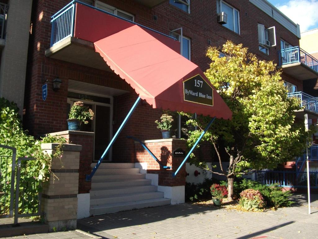 Book Now ByWard Blue Inn (Ottawa, Canada). Rooms Available for all budgets. This Ottawa hotel is in the ByWard Market area within a 10-minute walk of the National Gallery of Canada. The hotel offers rooms with a microwave and mini fridge.ByWard Blue I