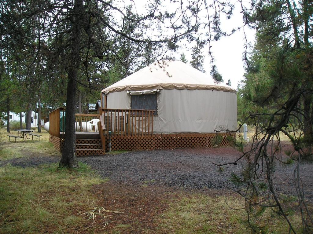 Studio Yurt - Entrance Bend-Sunriver Camping Resort 24 ft. Yurt 16