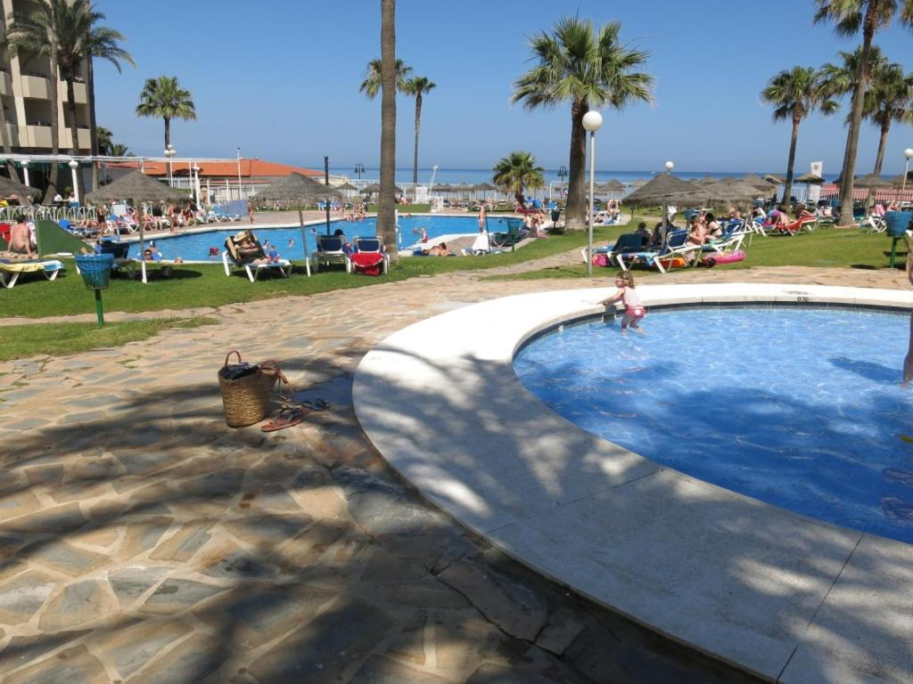 Piscina Fantastic Sea view Studio