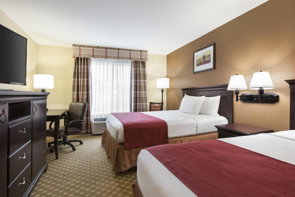 COUNTRY INN & SUITES BILTMORE SQUARE - Asheville NC 845 Brevard Rd ...