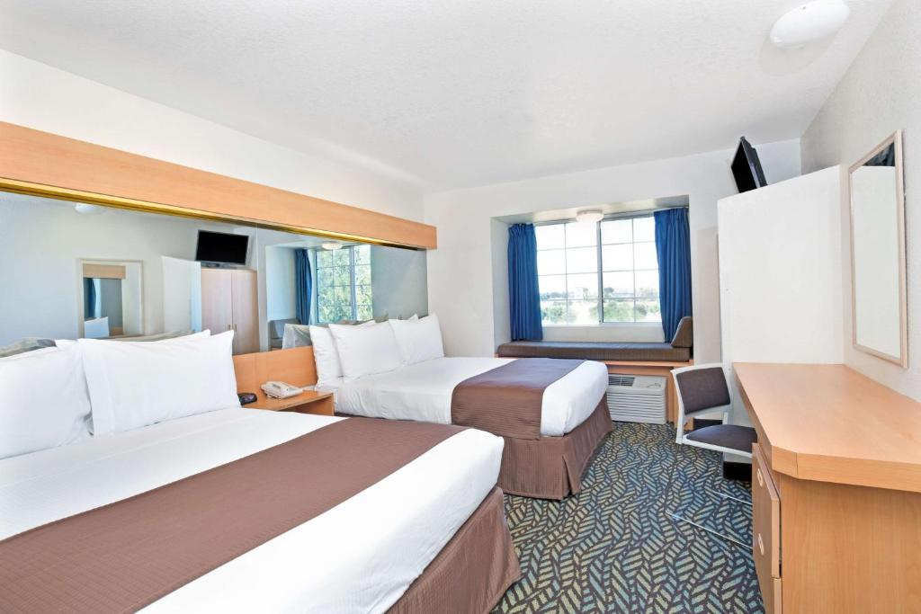 Book Now Microtel Inn & Suites By Wyndham Morgan Hill/San Jose Area (Morgan Hill, United States). Rooms Available for all budgets. Complimentary breakfast and comfy accommodations plus a location close to Highway 101 are among the amenities our guests will find at the non-smoking Microtel Inn & Suites by