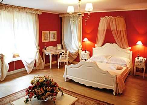 Book Now Villa Chiopris (Chiopris Viscone, Italy). Rooms Available for all budgets. Set in its large garden with pool Villa Chopis is a 19th-century building in Chiopris Viscone  5 km from Palmanova's historical centre. It offers elegant rooms with parqu