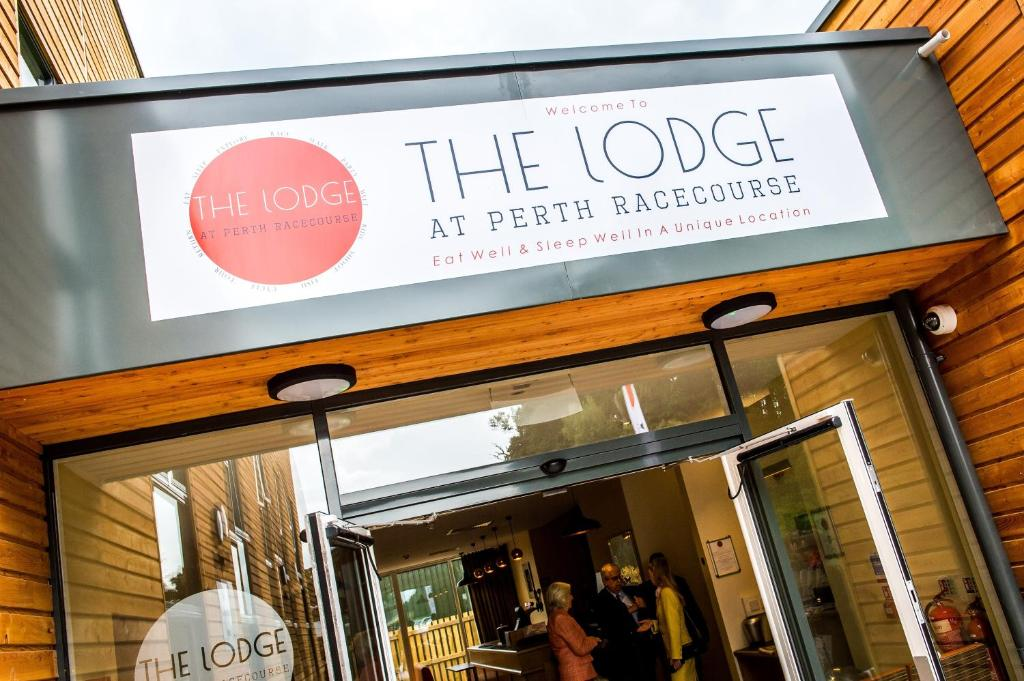 The Lodge At Perth Racecourse