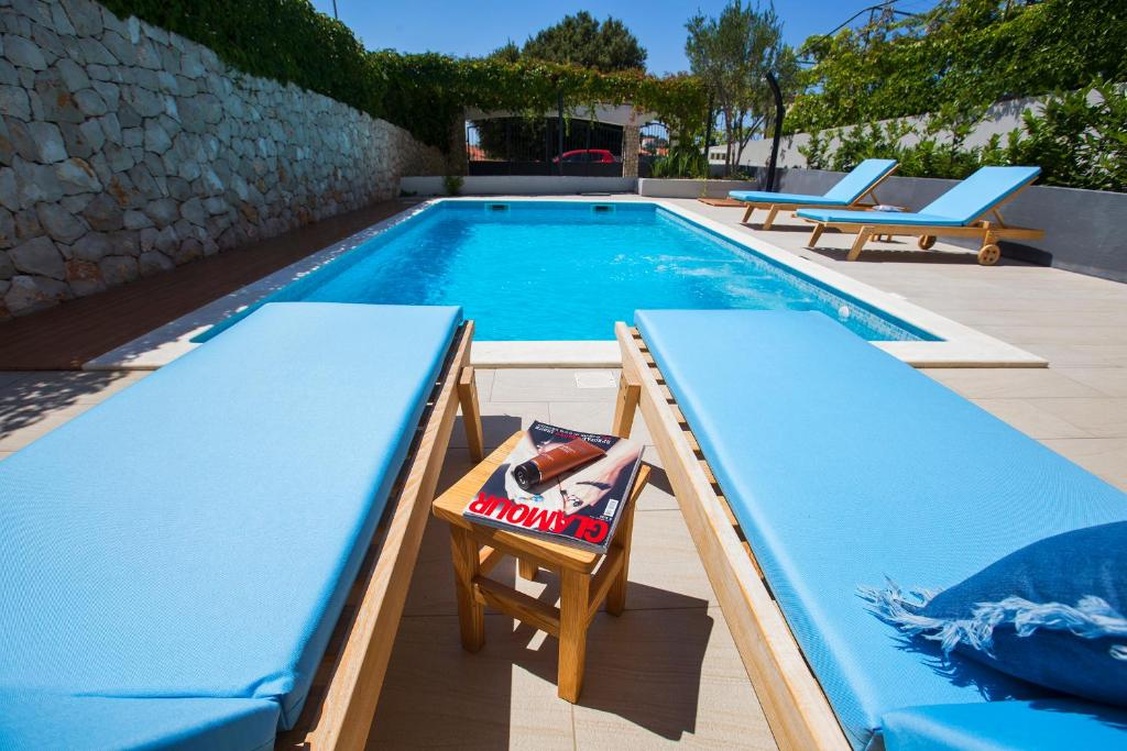 Piscina Holiday Home Vuko
