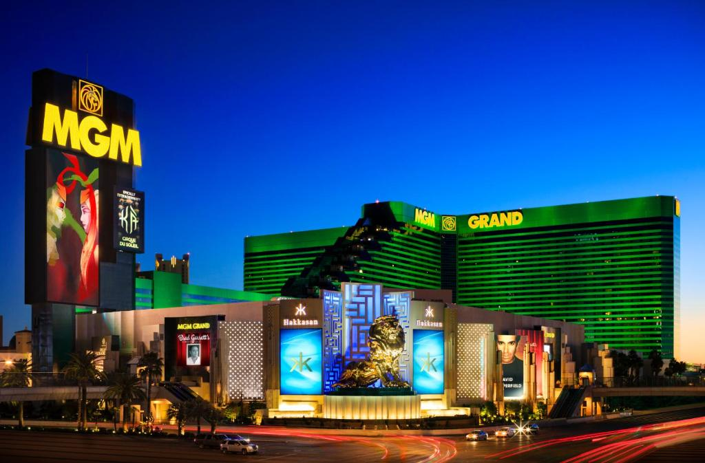 Book Now MGM Grand Hotel Casino (Las Vegas, United States). Rooms Available for all budgets. Imagine a hotel big enough to house flying acrobats five pools and a quarter-mile lazy river. That's the MGM Grand Hotel and Casino — filled with tons of entertainment