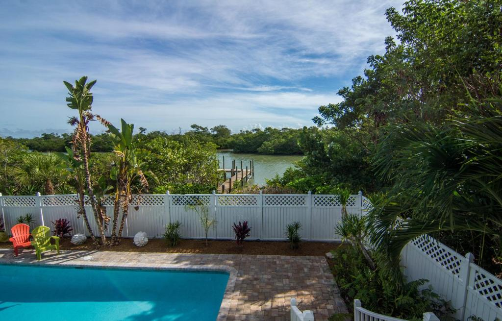 Manatee Cove Home (Captiva)