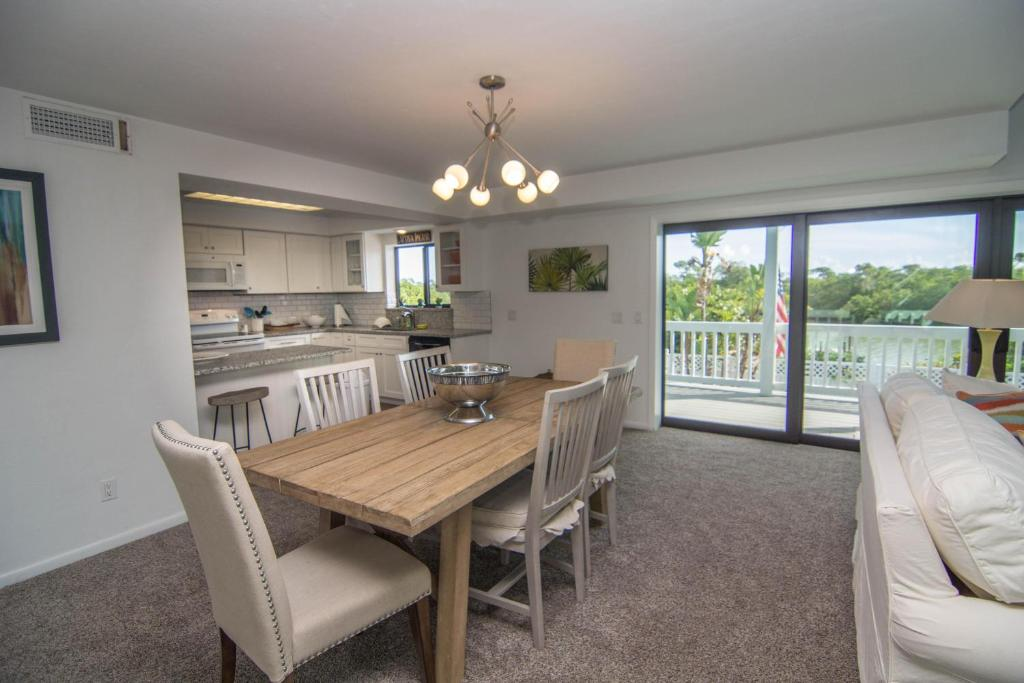 Five-Bedroom Holiday Home Manatee Cove Home (Captiva)