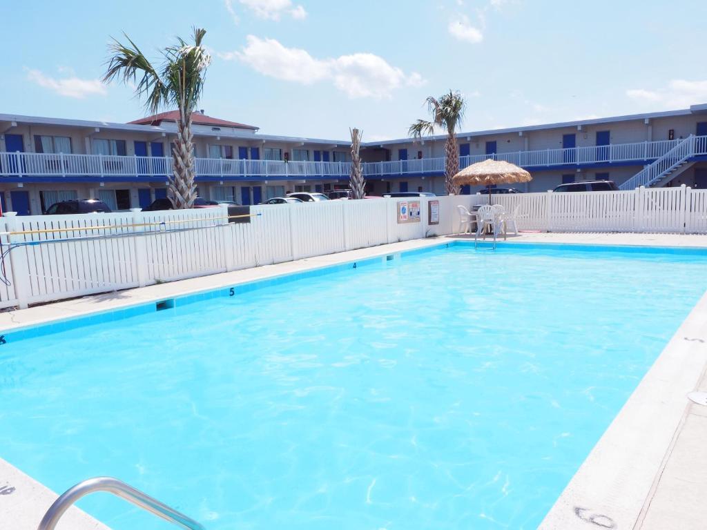 Seashire Inn & Suites photo