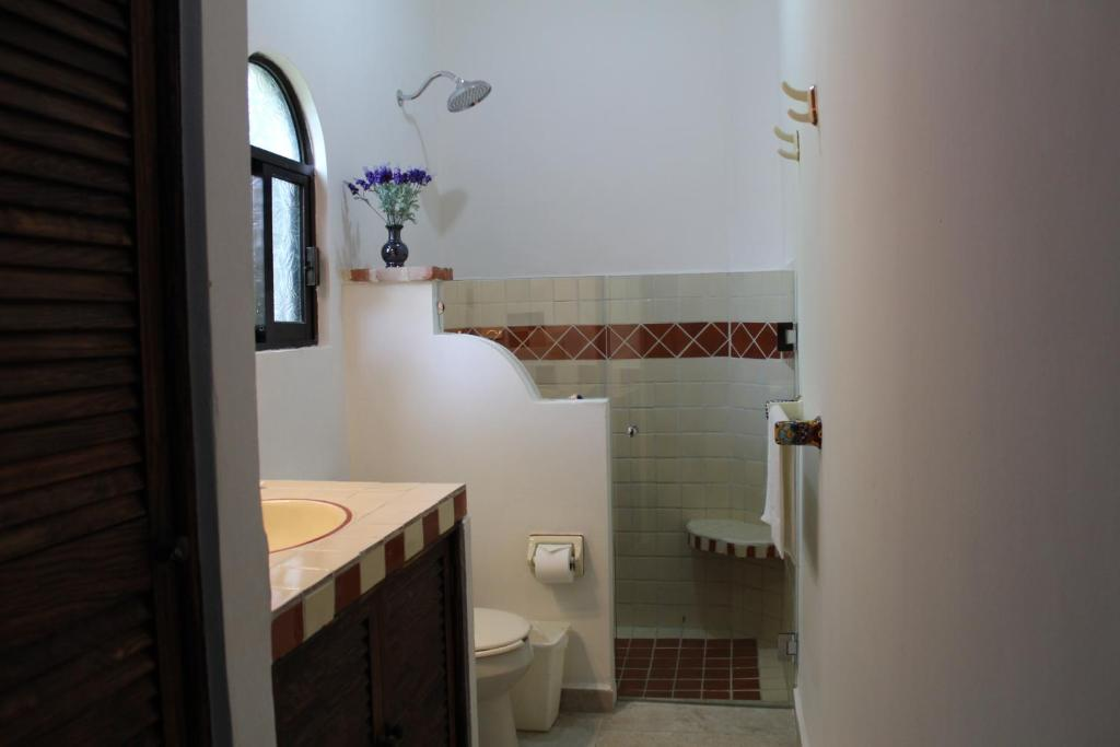 Bathroom 2BR Mexican Style Condo Eclipse by KVR