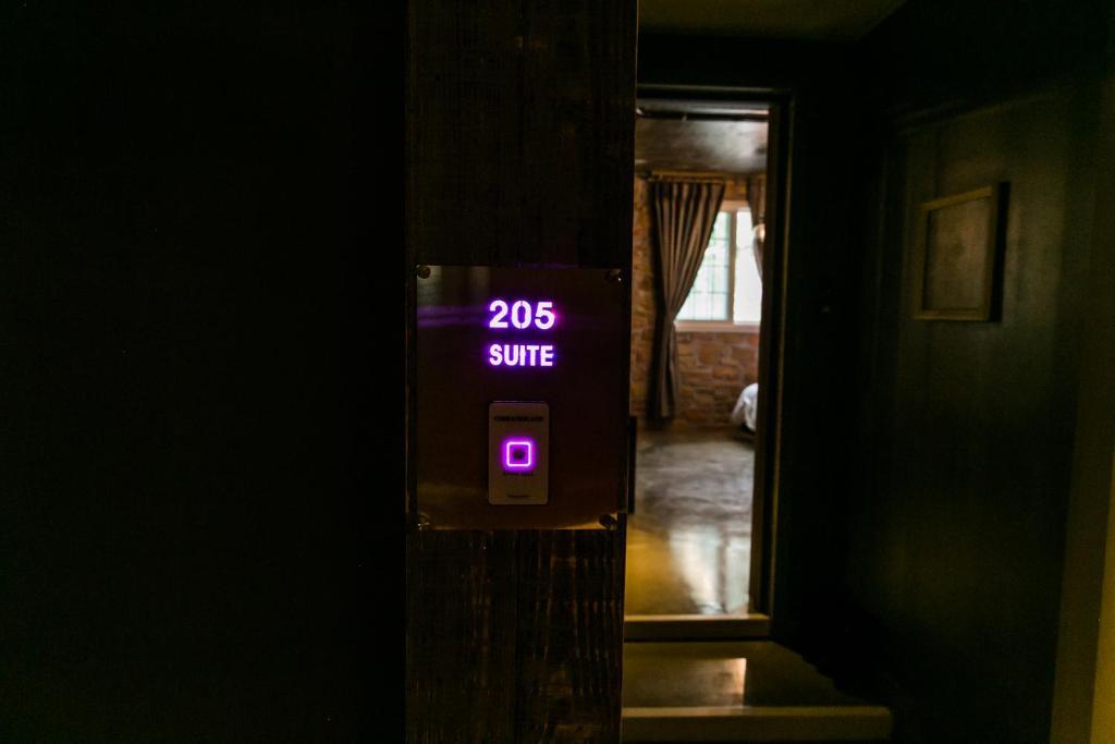1038455