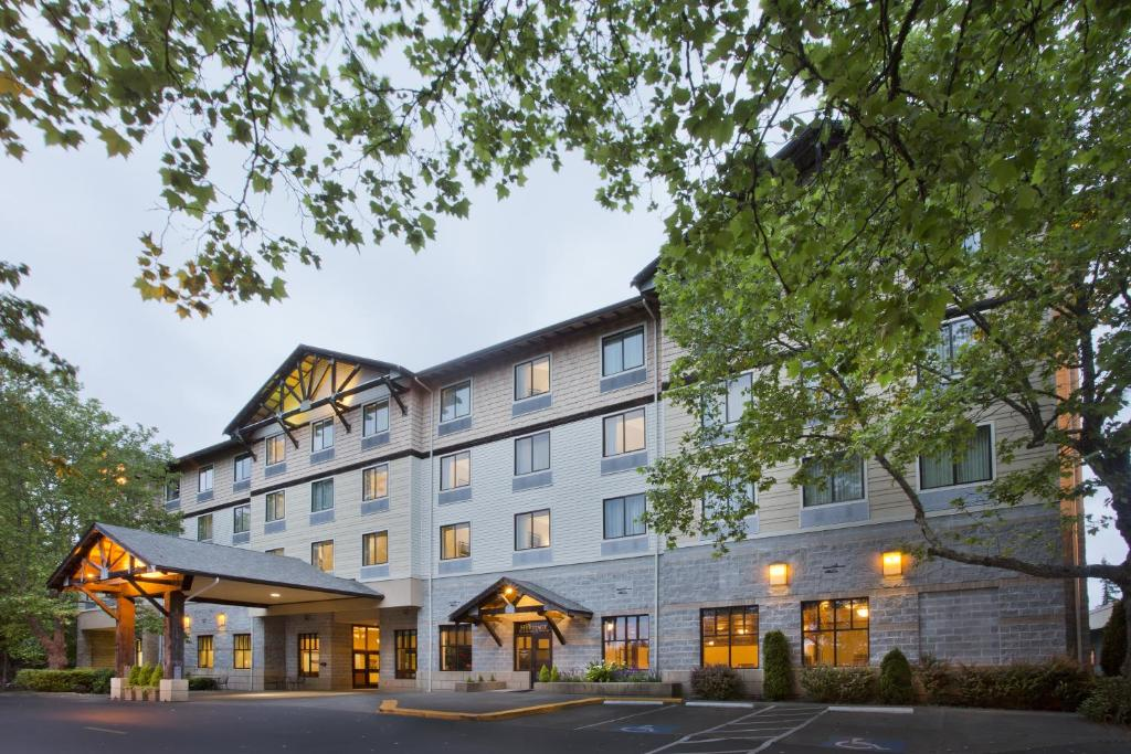 Book Now The INN at Gig Harbor (Gig Harbor, United States). Rooms Available for all budgets. The INN at Gig Harbor features a cafe that serves breakfast. It is 5 minutes' drive from Gig Harbor's Historic Village. Free WiFi and a daily continental breakfast is offered.