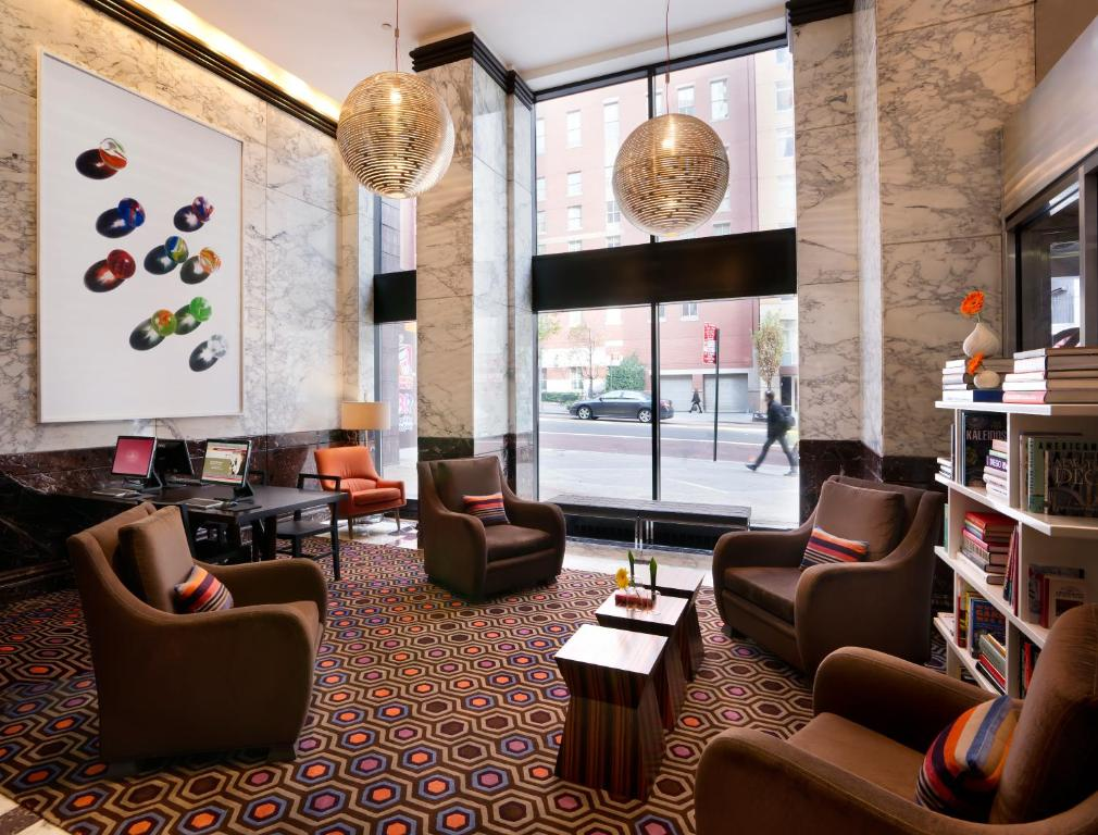 Book Now Dumont NYC-An Affinia Hotel (New York City, United States). Rooms Available for all budgets. Suite-style units with full kitchens and fitness-focused all just three blocks from the Empire State Building draw our guests to the non-smoking Dumont NYC-an Affinia Hotel. E