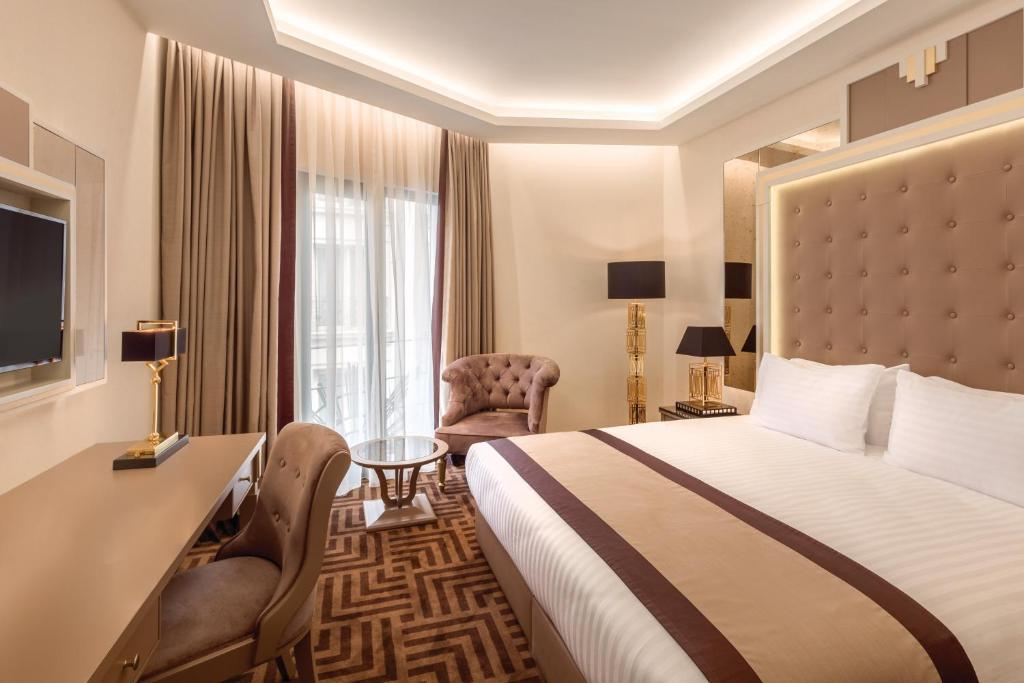 Deluxe Single Room with Sea View - Guestroom Ramada Hotel & Suites by Wyndham Istanbul Golden Horn