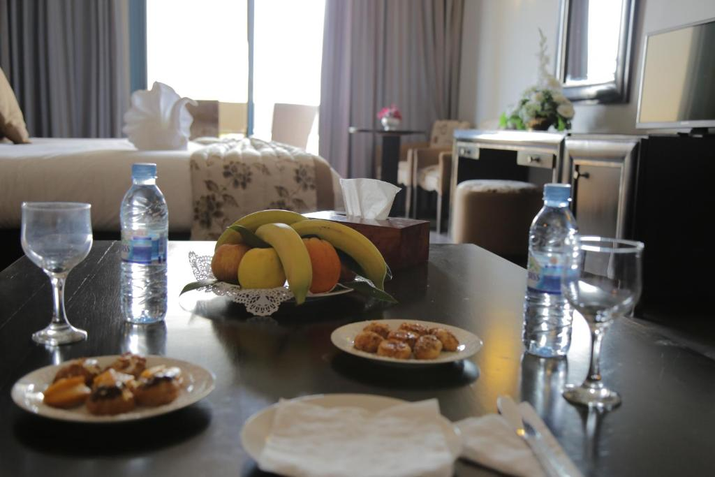 Standard Single Room - Food and beverages Hotel Suisse