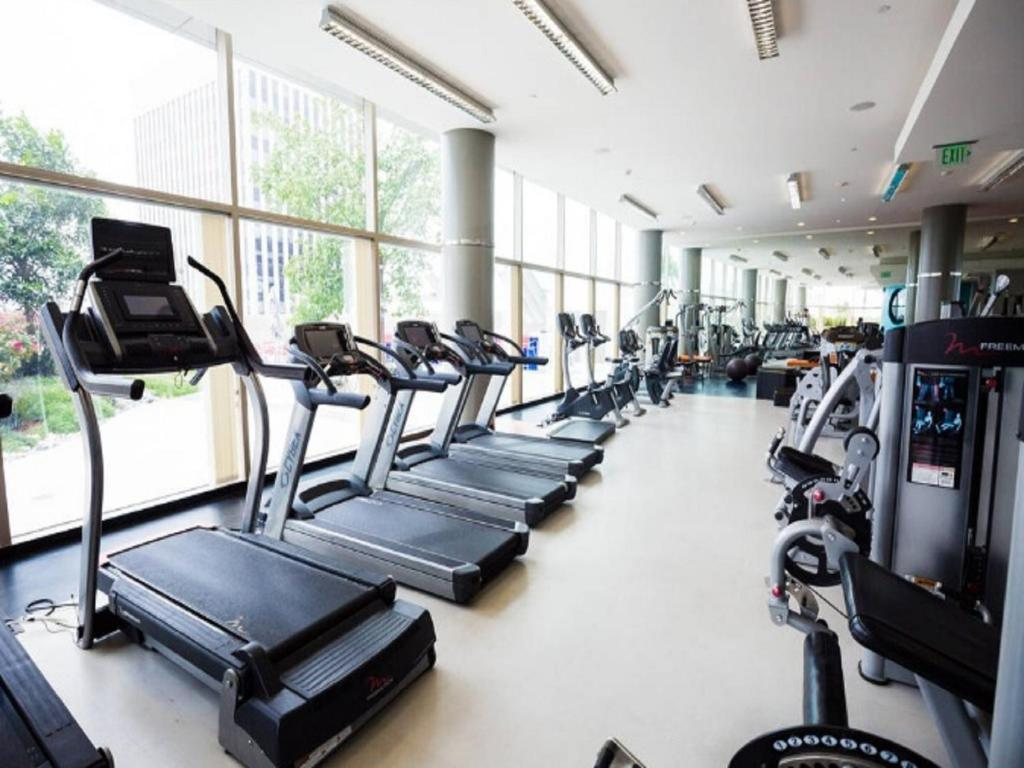 Fitness center K-TOWN MODERN LUXURY 2 BR LA