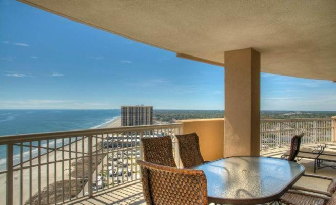 Four-Bedroom Apartment - Balcony/terrace Margate Condo 8500 2001