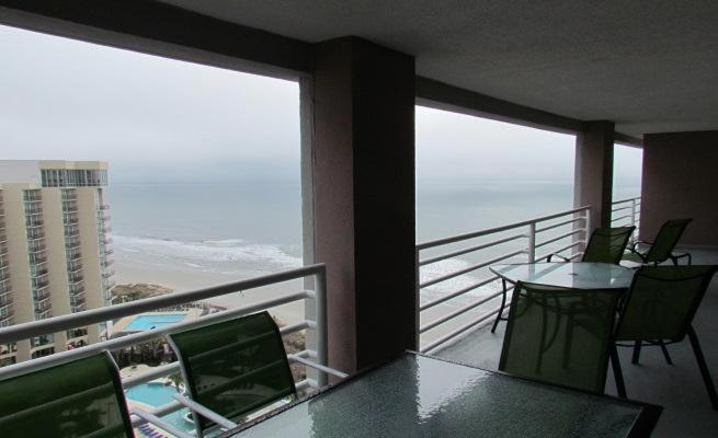 Balcony/terrace Queensway Condo 9840 1720