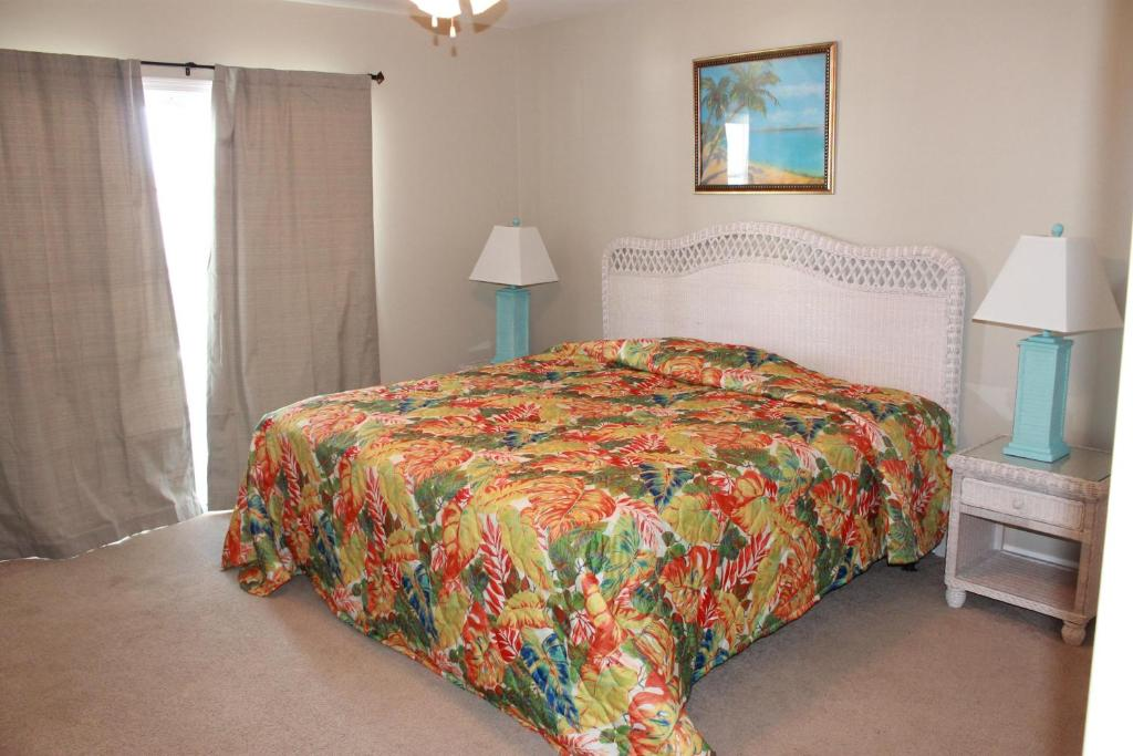 Guestroom Bermuda Breeze C Holiday Home