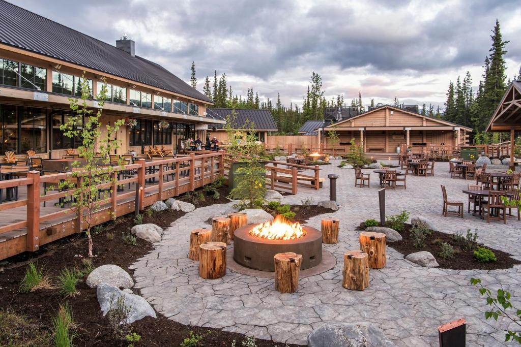Book Now McKinley Chalet Resort (McKinley Park, United States). Rooms Available for all budgets. Less than 1 minutes' drive to Denali National Park entrance this Denali National Park resort features an on-site dinner theater and river rafting excursions.Styled in wood acc