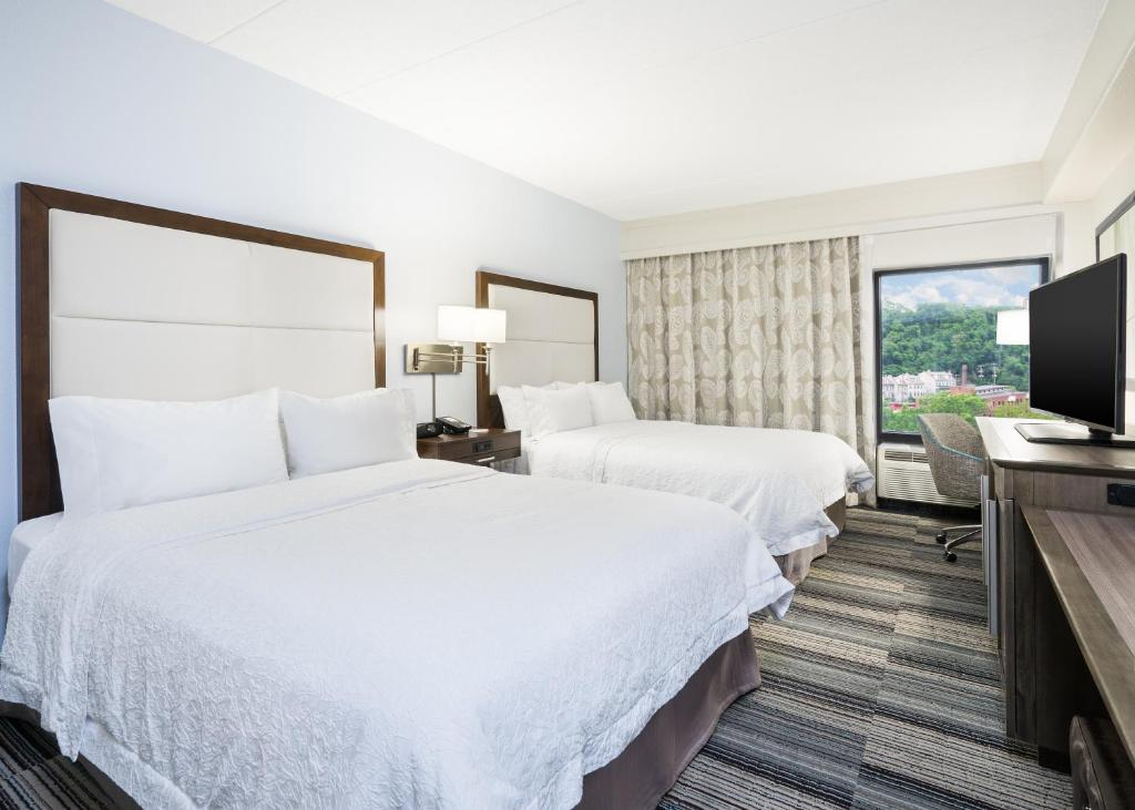 Hampton Inn Pittsburgh University Center Top Attractions Near Our Pittsburgh Pa Hotel Innsight Com
