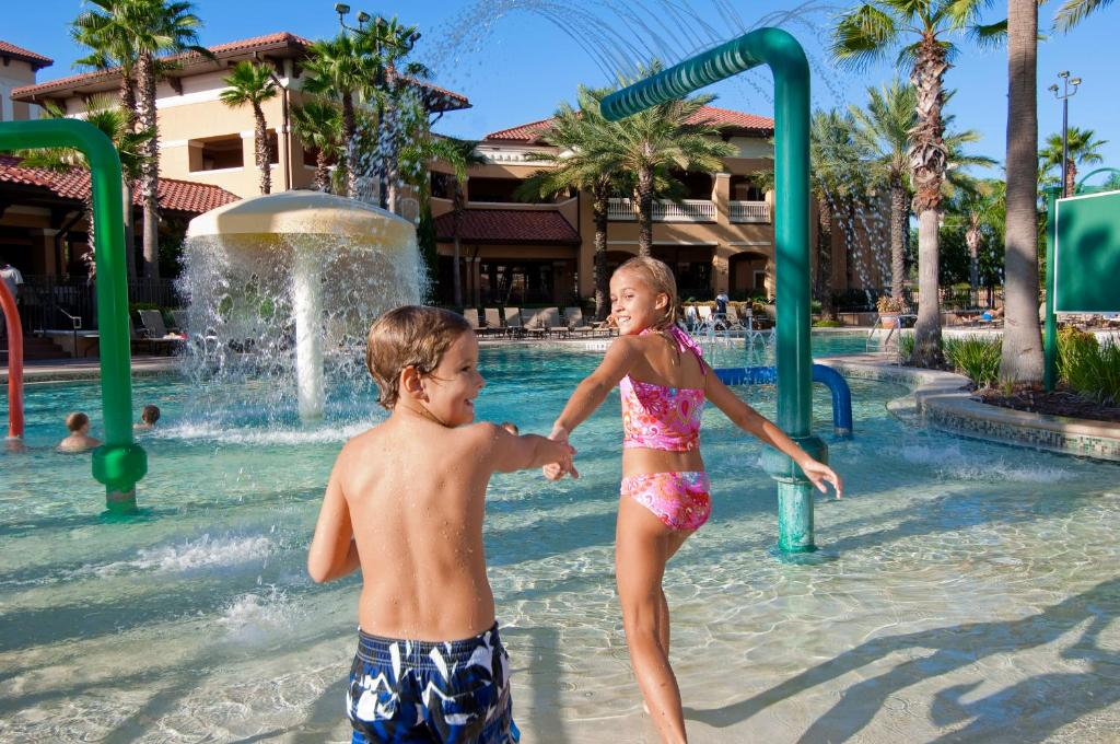 Book Now Floridays Resort Orlando (Orlando, United States). Rooms Available for all budgets. Located on International Drive this pet-friendly Orlando resort boasts a 22000-square-foot welcome centre and 2 outdoor pools. The Walt Disney World theme parks are just a 10
