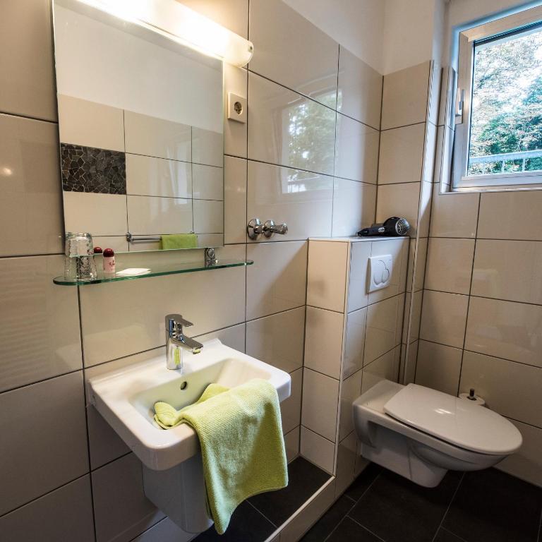 Das hotel baccara in aachen buchen - Badezimmer aachen ...
