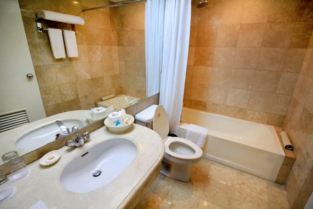 See all 6 photos Best Western Oxford Suites Makati