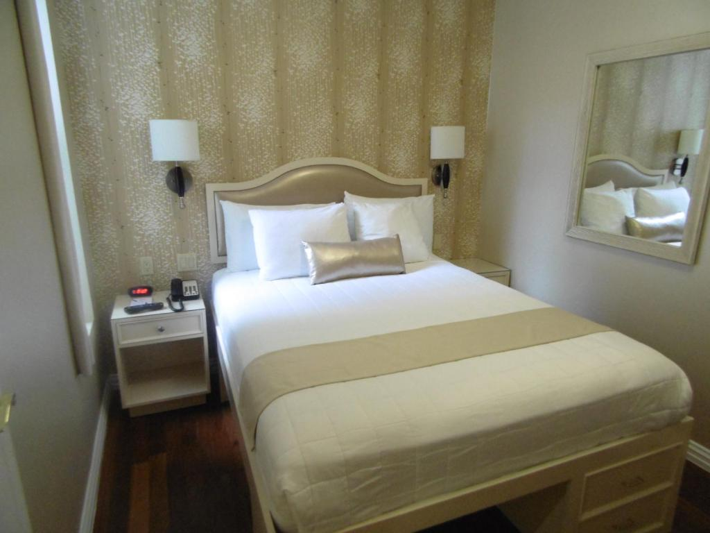 Book Now Belnord Hotel (New York City, United States). Rooms Available for all budgets. This Manhattan hotel offers rooms with flat-screen TVs and free Wi-Fi. The hotel is within a 10-minute walk of Central Park and one block from the 86th Street Subway Station.G