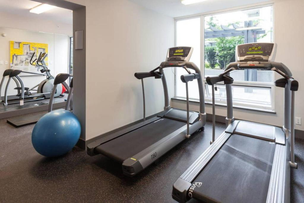 Fitness center One-Bedrooms on Manitoba Street