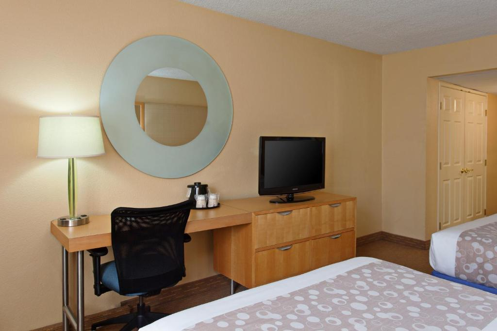 Book Now La Quinta Inn & Suites LAX (Los Angeles, United States). Rooms Available for all budgets. A 24-hour airport shuttle a tasty complimentary breakfast and free internet access are a few good reasons to book La Quinta Inn & Suites LAX say our guests. All 279 rooms in t