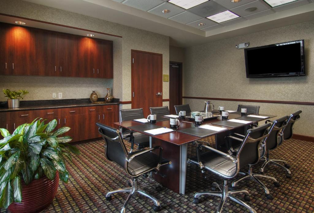 Hilton Garden Inn Houston Pearland In Pearland Texas 12 Photos 111 Reviews Park Sleep