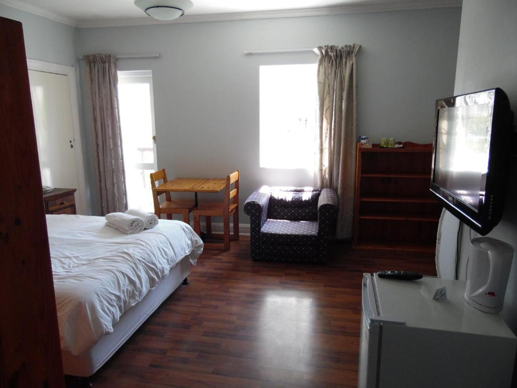 See all 6 photos Albatross Guest House