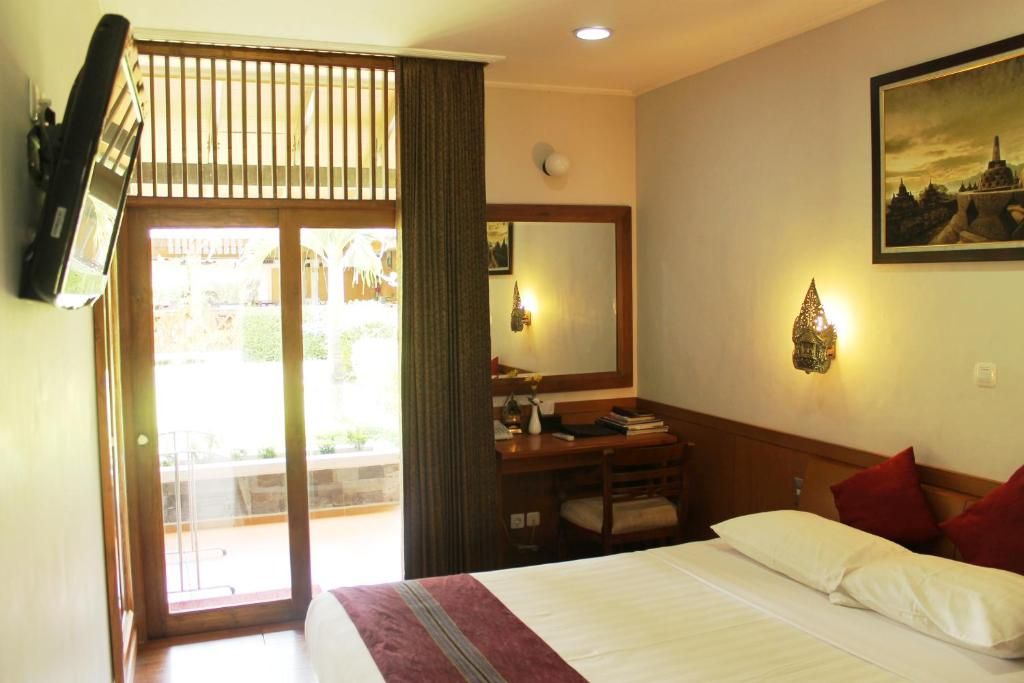 Standard Double Room - Guestroom Manohara Resort