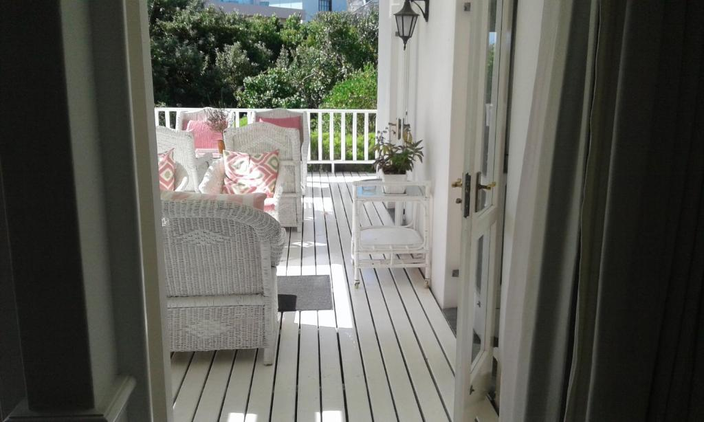 King or Twin Room - Balcony/terrace Southern Cross Beach House