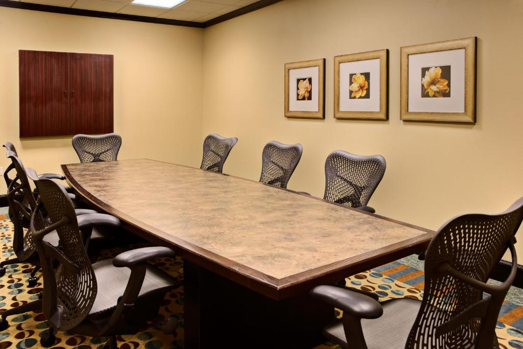 Hilton Garden Inn Abilene. 4449 Ridgemont Drive, Abilene, Texas 79606 USA.  Caption