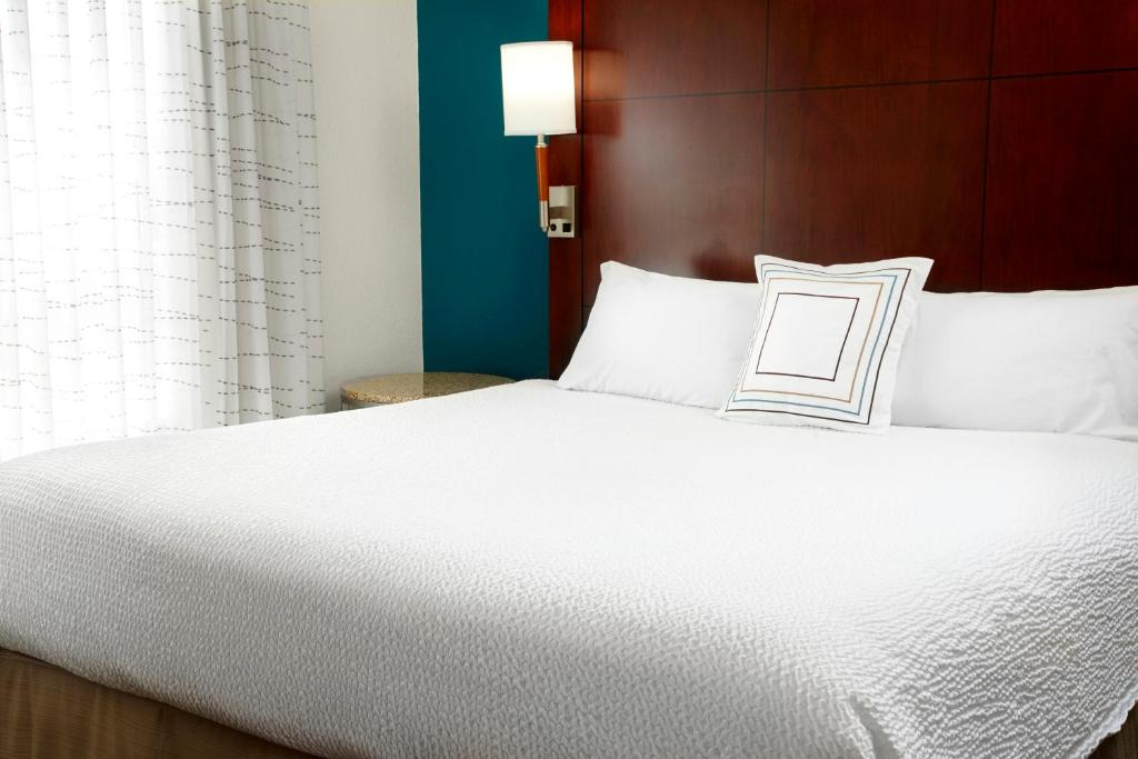 Cama Residence Inn Tampa Suncoast Parkway at NorthPointe Village
