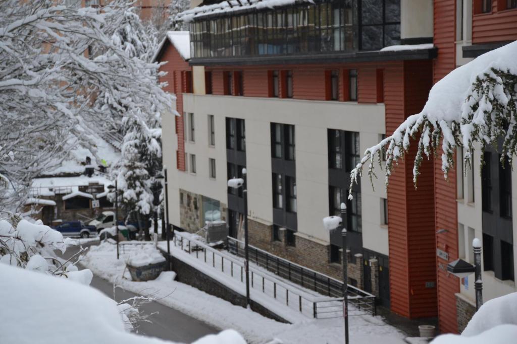 Gorbea suites sierra nevada oportunidades de ltima hora for Calle prado panetes 10 guadalix de la sierra