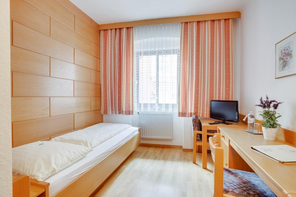 Single Room Hotel Himmelreich